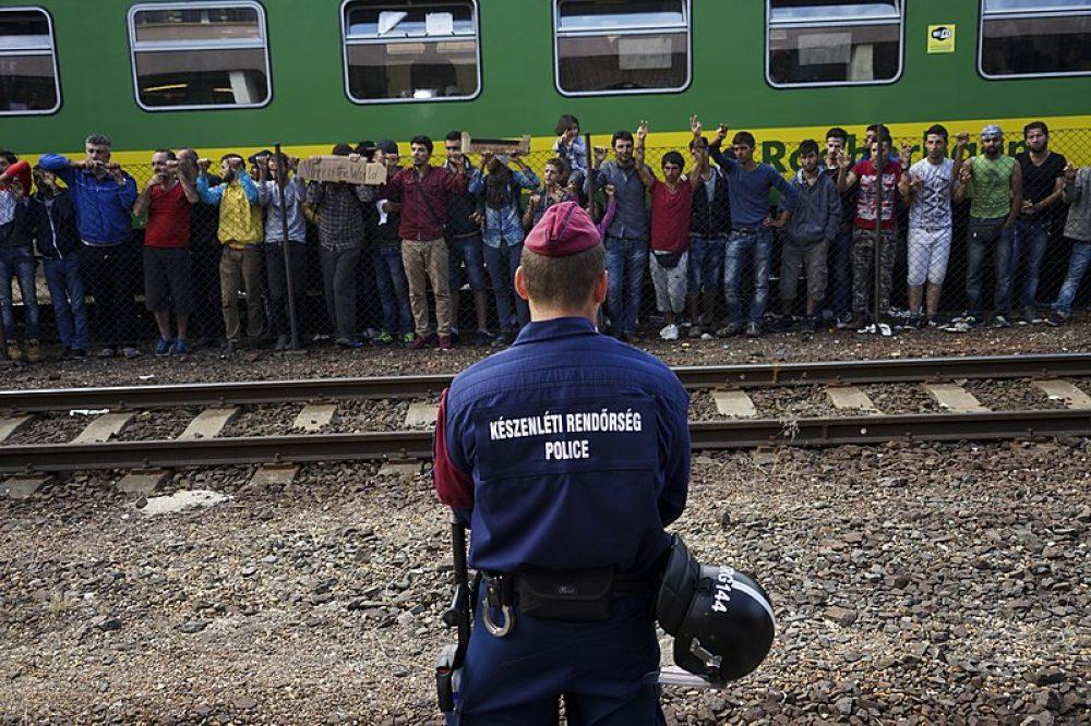 Refugiados sirios en una estación de tren de Budapest, en 2015 Foto Mstyslav Chernov